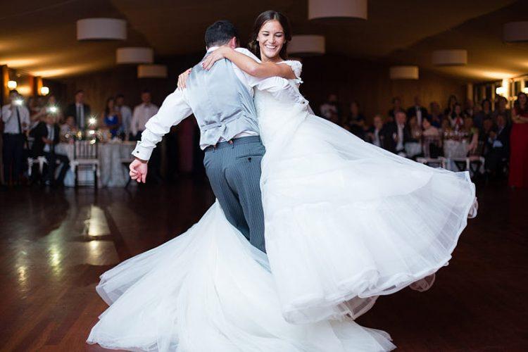 Baile de novios en una boda en el Pazo de Orto de Josmaga