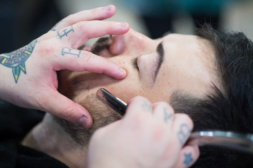 novio en la peluquería de Pontevedra Crazy Barber