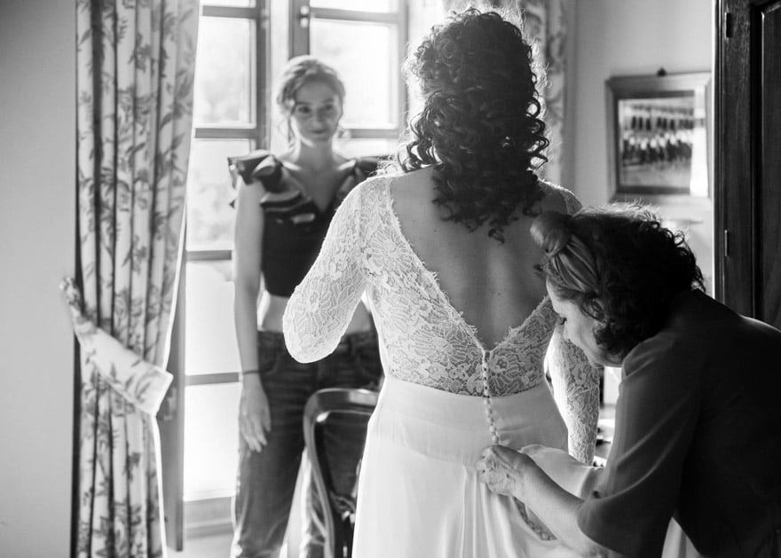 Espalda del vestido de novia de Alejandra Svarc de Tul Novias en una boda en el Pazo de Adrán