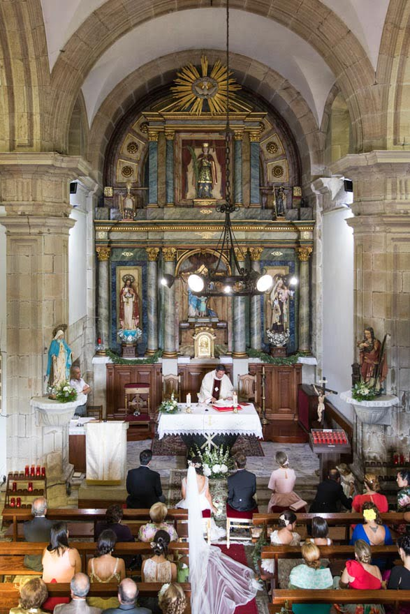 Boda en la Iglesia de Santa Cristina de Barro de Noia