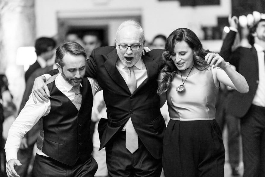 Baile durante una boda en el hotel Palacio del Carmen de Santiago de Compostela