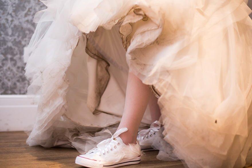 zapatillas tuneadas por Emma Coe plumista
