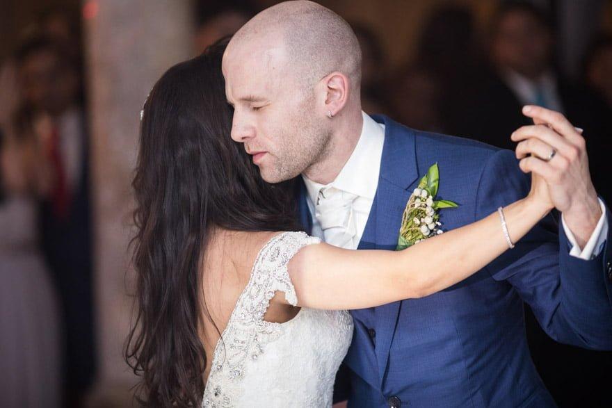 Baile de Novios durante una boda en el Salón de Los Olivos del Pazo do Tambre