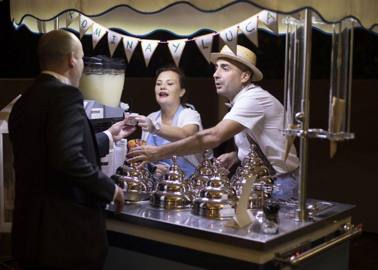 Carrito vintage de la heladería Colón de A Coruña durante una boda